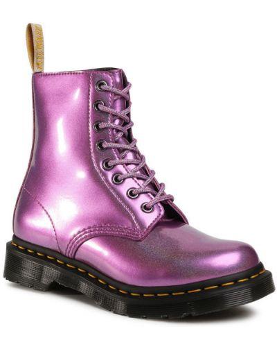 Różowy buty Dr. Martens