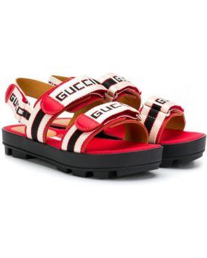 Красные кожаные открытые босоножки с открытым носком Gucci Kids