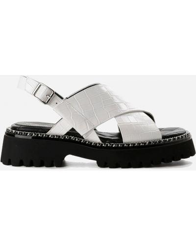 Белые сандалии Leberdes