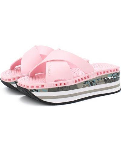 Розовые шлепанцы на танкетке Premiata