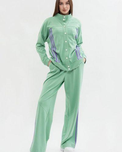 Костюмный зеленый спортивный костюм Maxa