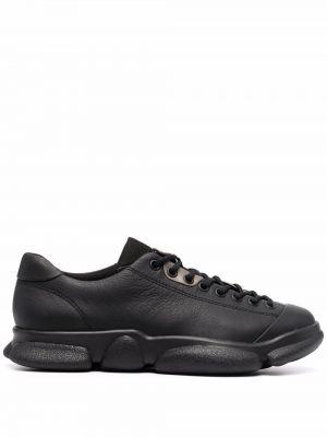 Черные кроссовки с нашивками Camper