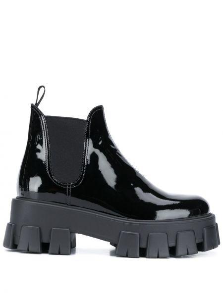 Czarny buty na pięcie z prawdziwej skóry na pięcie Prada