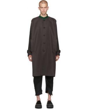 Темно-серое парусиновое длинное пальто с воротником на молнии 132 5. Issey Miyake