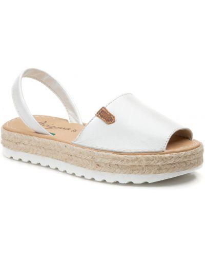 Белые кожаные сандалии Arizona