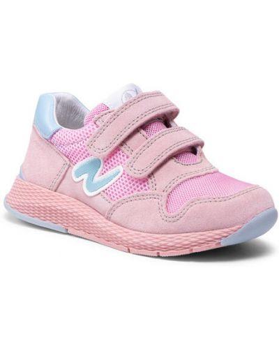 Różowe sneakersy Naturino