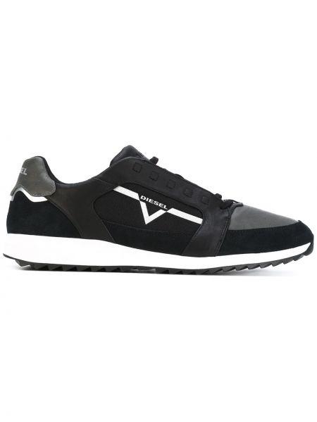 Черные кроссовки Diesel