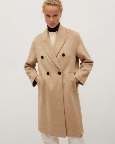Бежевое пальто двубортное Mango