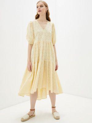 Прямое желтое платье А-силуэта Mbym