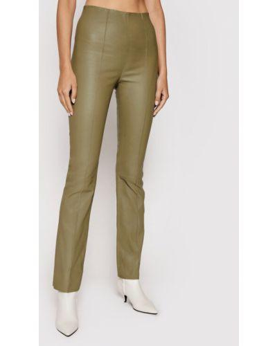 Beżowe spodnie rurki Remain