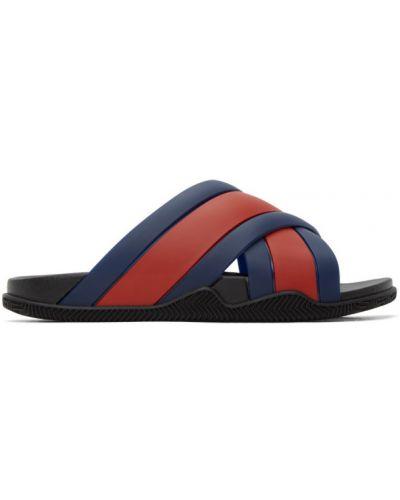 Niebieski skórzany sandały na paskach okrągły nos Gucci