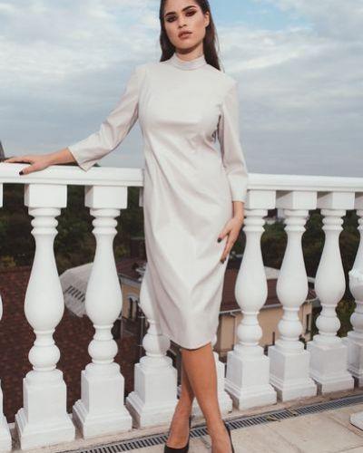 Модное нарядное белое платье-футляр Vovk