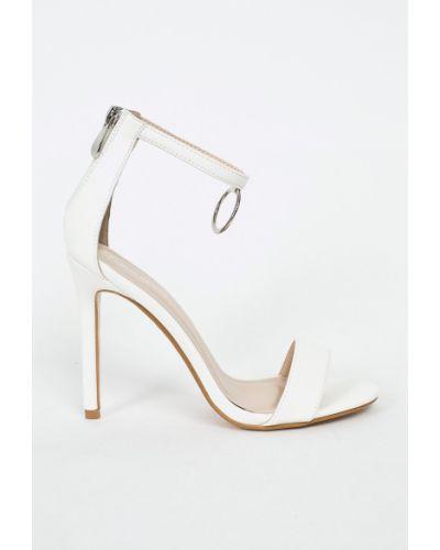 Белые туфли на высоком каблуке Public Desire