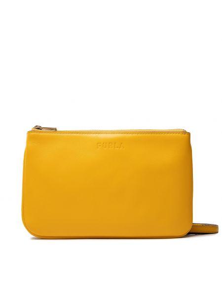 Żółta torebka Furla