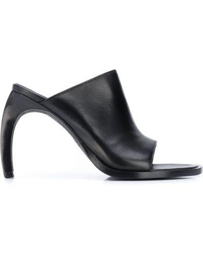 Czarne sandały Ann Demeulemeester