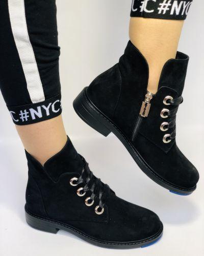 Ботинки на каблуке Alvito