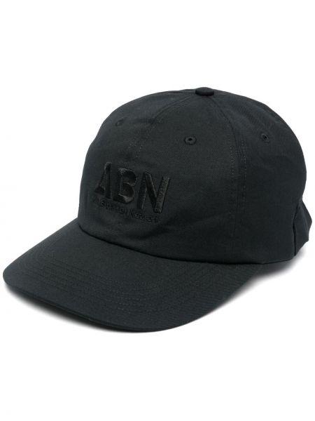 Czarny kapelusz z haftem Affix