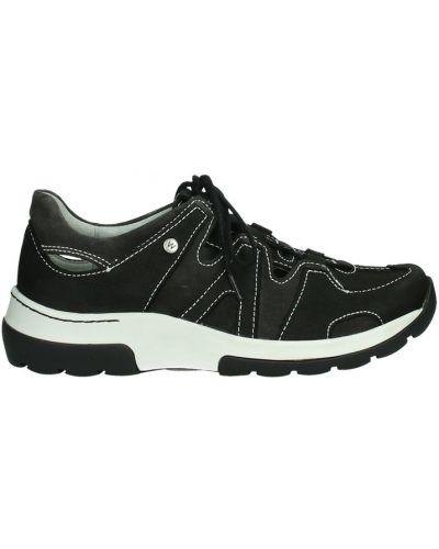 Czarne sneakersy skorzane Wolky