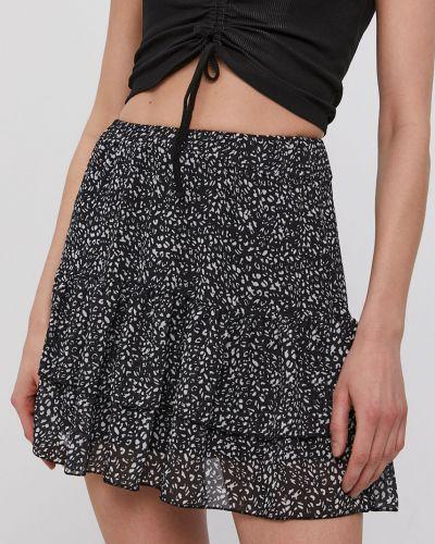 Czarna spódnica mini z falbanami rozkloszowana Hailys