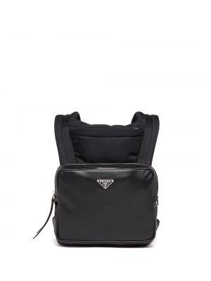 Czarny plecak skórzany z klamrą z nylonu Prada