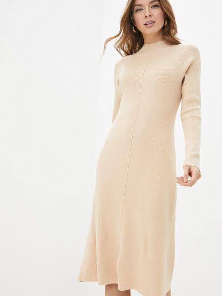Платье вязаное бежевое Sela