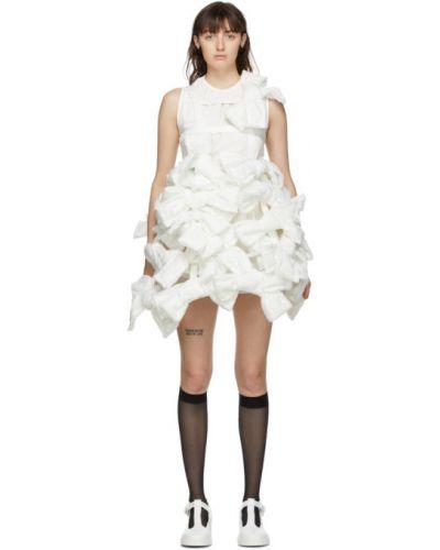 Biała sukienka mini koronkowa sznurowana Shushu/tong