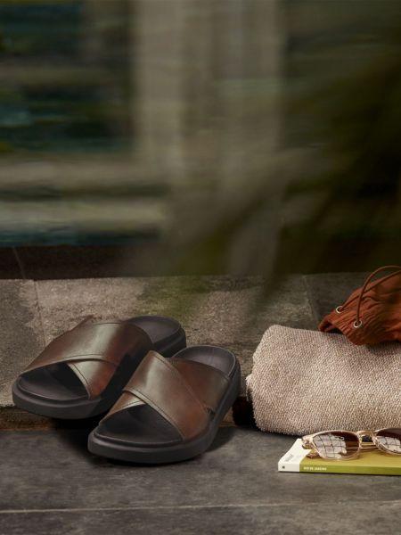 Текстильные брендовые шлепанцы Ecco