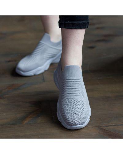 Облегченные текстильные серые кроссовки Fashion