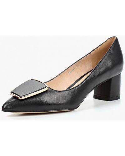 Кожаные туфли осенние на каблуке Winzor