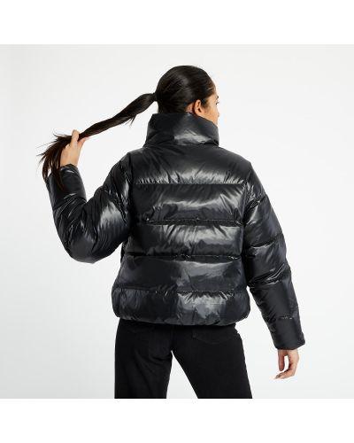 Брендовая черная куртка Nike