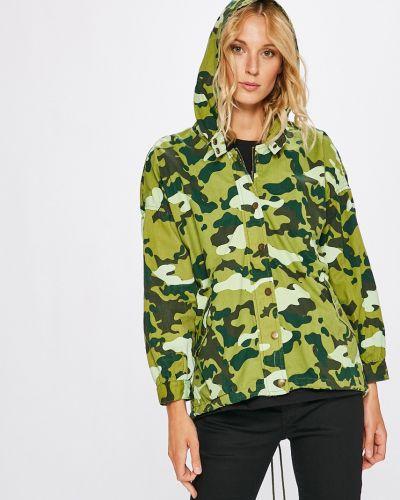 Куртка с капюшоном облегченная с карманами Sh