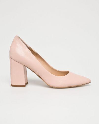 Туфли на каблуке кожаные розовый Solo Femme