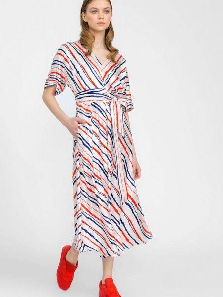 Платье прямое весеннее Lo
