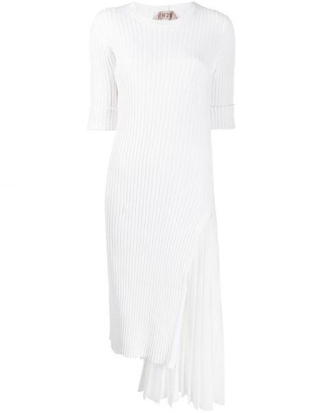 Biała prążkowana sukienka asymetryczna N°21
