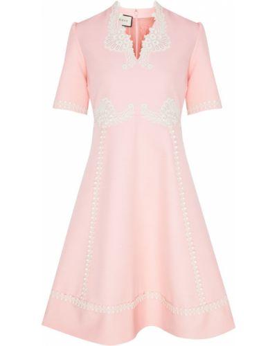 Кружевное с рукавами розовое платье Gucci