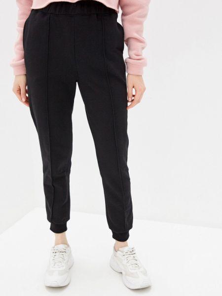 Спортивные брюки черные весенний Sela