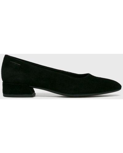 Кожаные туфли на каблуке замшевые Vagabond