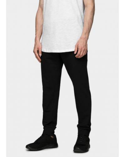 Спортивные брюки - черные Outhorn