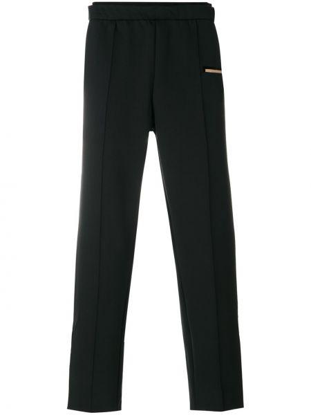 Czarne spodnie Satisfy