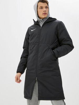 Черная утепленная куртка Nike