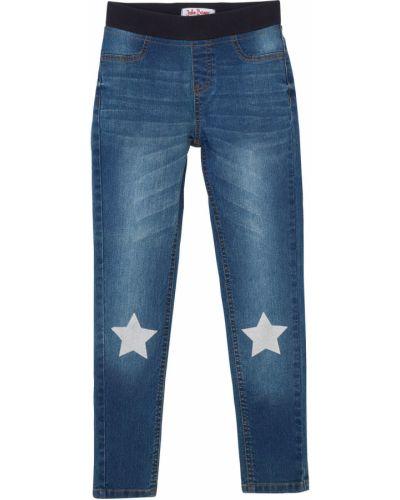 Синие джинсы на резинке с аппликациями Bonprix