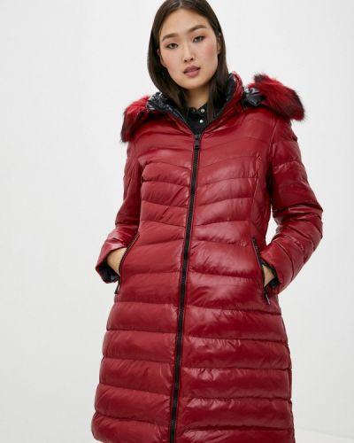 Красная теплая куртка Macleria