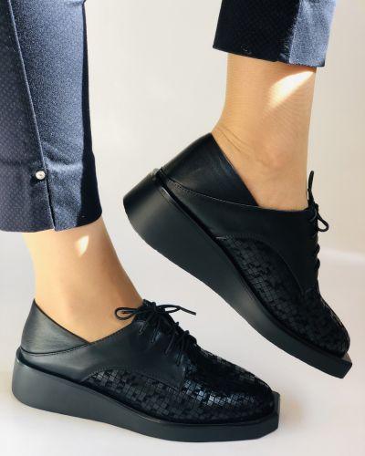 Кожаные туфли - черные Erisses