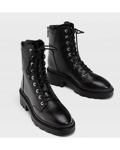 Ботильоны на каблуке - черные Stradivarius
