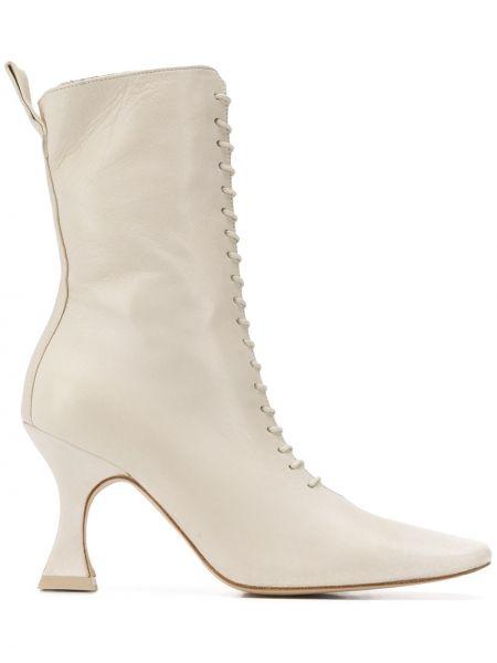 Ажурные сапоги без каблука на шнуровке Miista