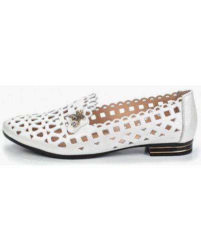 Лоферы белые на каблуке O`shade
