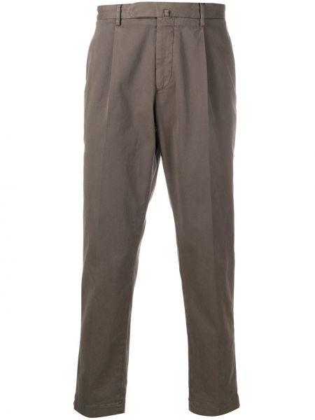 Брючные коричневые плиссированные брюки с поясом Dell'oglio