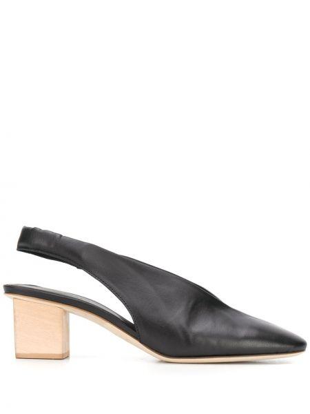 Туфли на каблуке черные кожаные Del Carlo