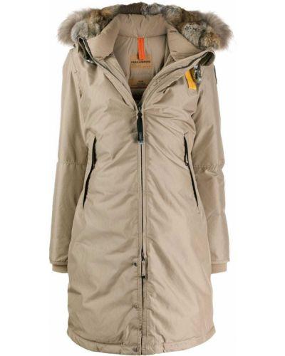 Пуховое приталенное пальто с капюшоном айвори с опушкой Parajumpers