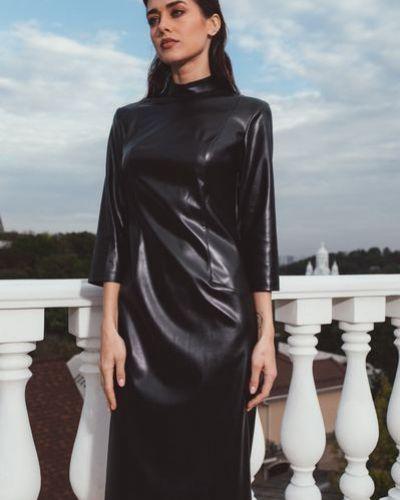 Модное нарядное черное платье-футляр Vovk
